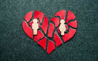 Какие факторы приводят супружеские пары к разводу без детей?