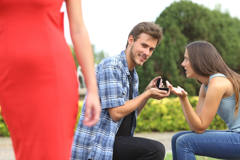 нашел интимные фото жены что делать