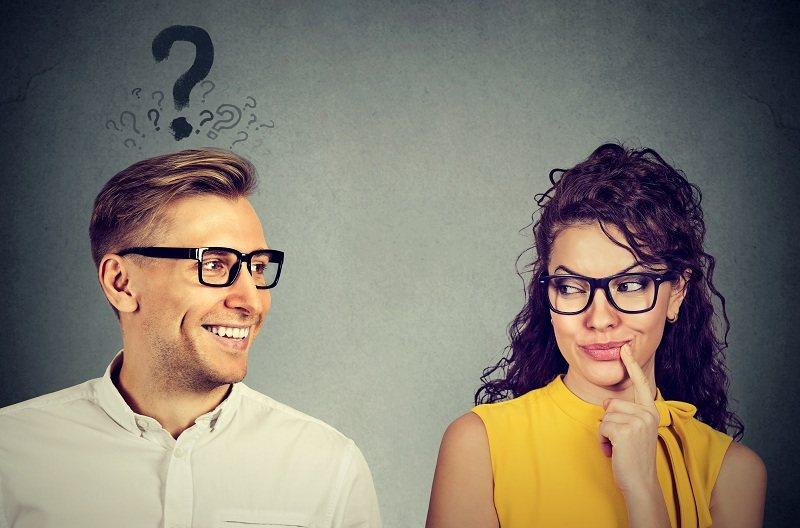 Излишнее внимание партнера - причина женских измен