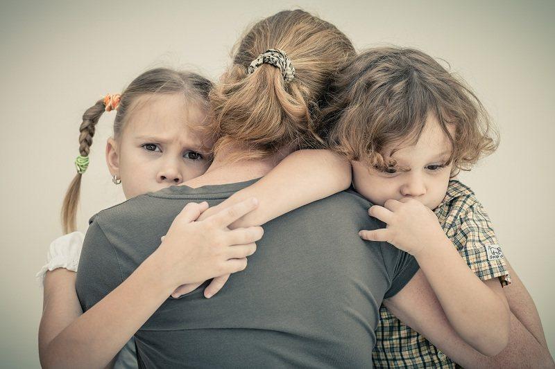 Мамочка с двумя детьми ушла о мужа