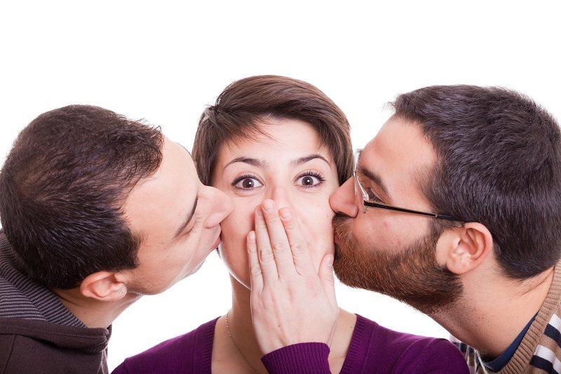 Женщина не может выбрать между мужем и любовником