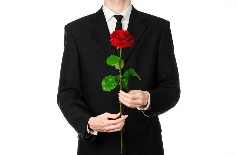 Хороший муж дарит жене цветы, а она его бросила
