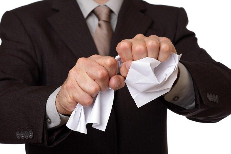 Муж против развода и не хочет подписывать заявление на развод