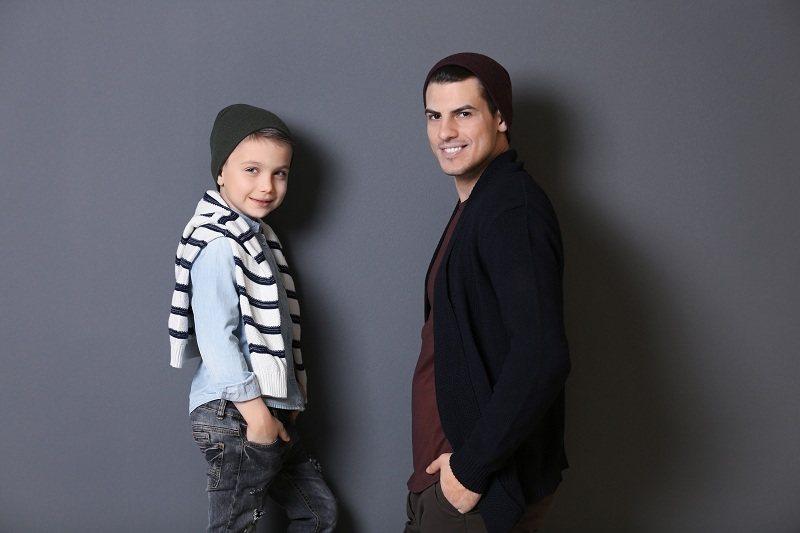 Сын с отцом в хороших отношениях