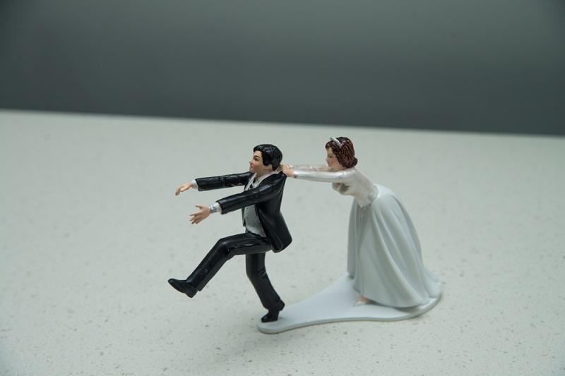 Супруг бросает жену