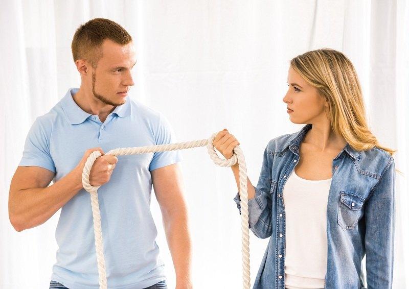 Супруги ссорятся потому что друг другу не уступают