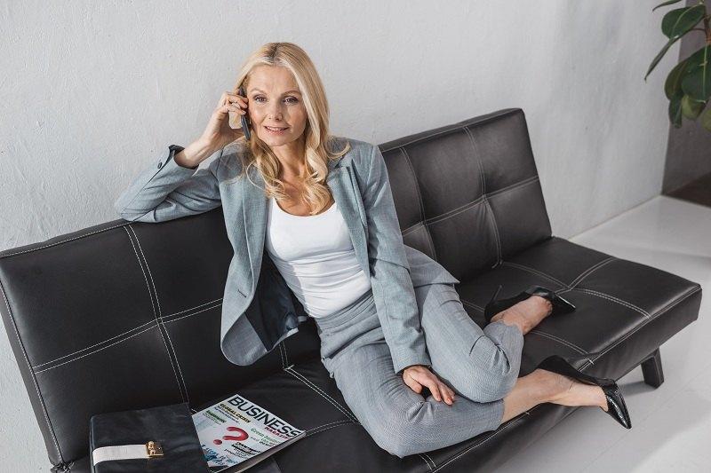 Бизнес леди живет с альфонсом