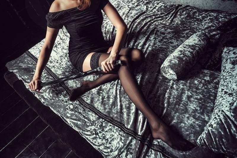 Красивая любовница задумала увести чужого мужа