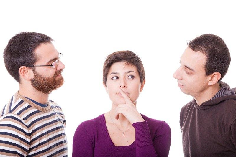 Женщина задумала изменить с двумя мужчинами