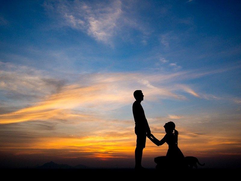 Жена просит прощения у мужа