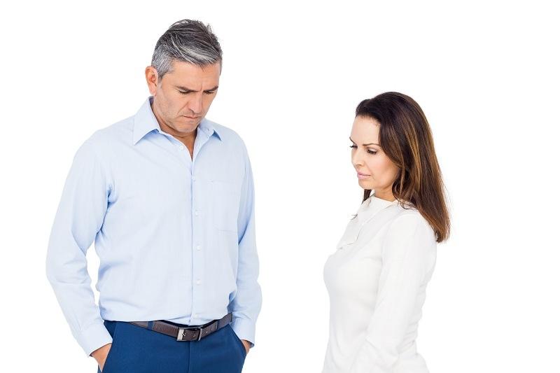 Бывшие супруги неприятно общаются между собой после развода
