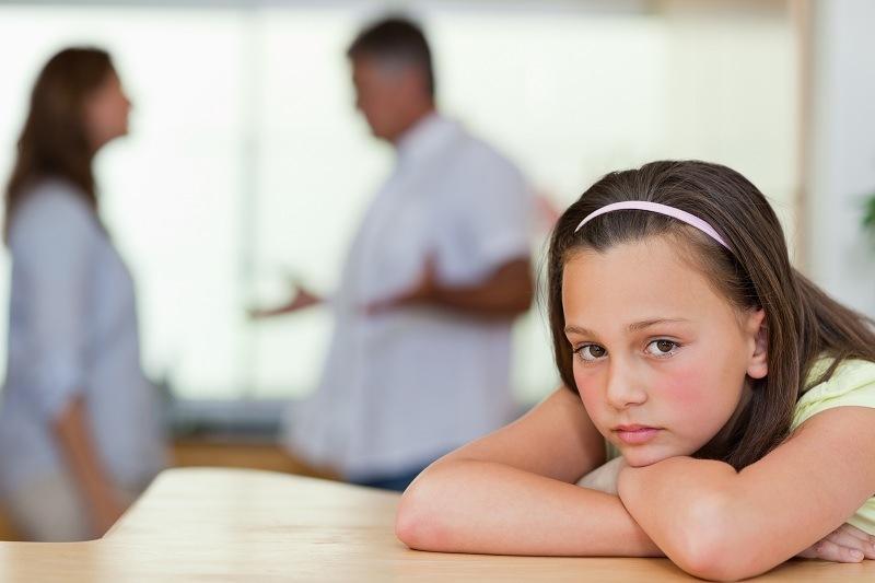 Ребенок переживает ссору родителей и уход мамы к любовнику