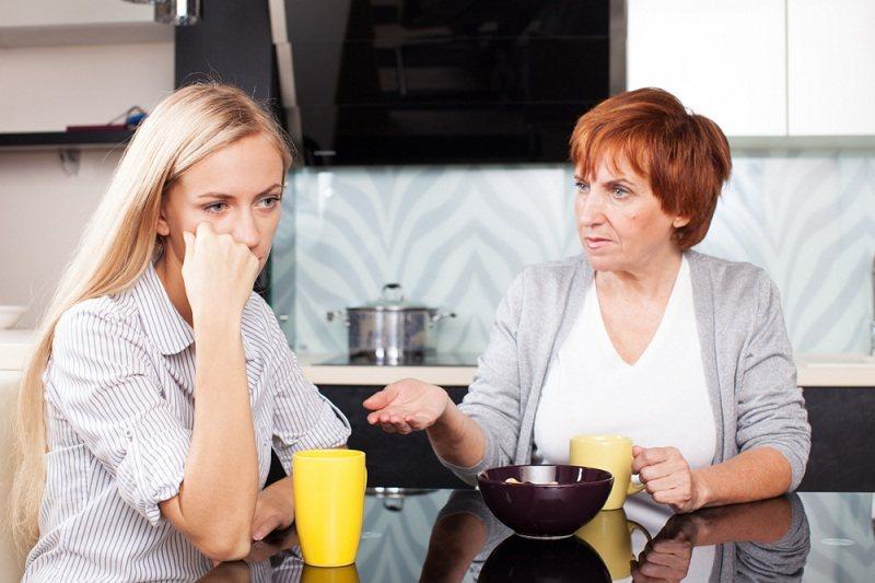 Мама дает советы дочке - как ей быть после повторного развода