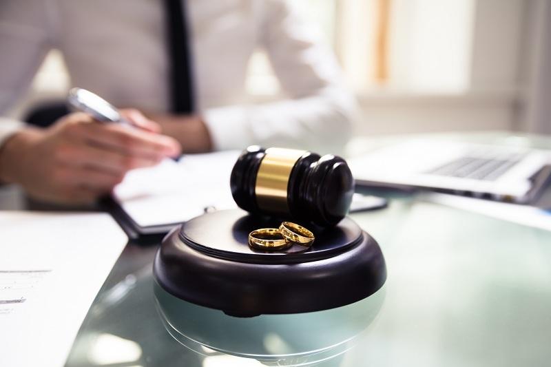 Женщина решила подать на развод и уйти от мужа