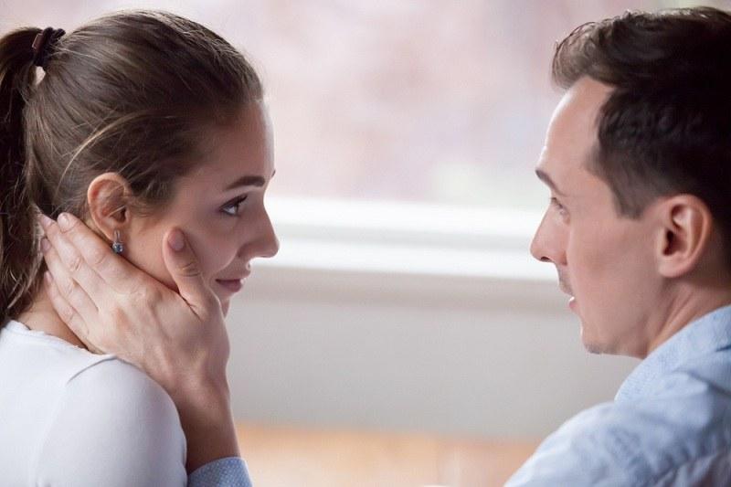 Мужчина изменил и причинил боль своей жене - теперь просит его простить