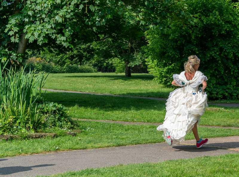 Невеста убежала со свадьбы изменять с любовником