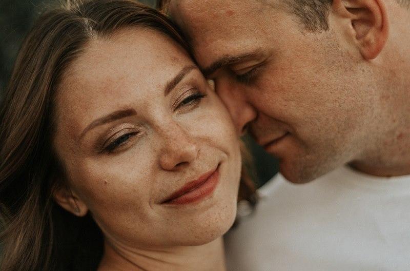 Влюбленная семейная пара